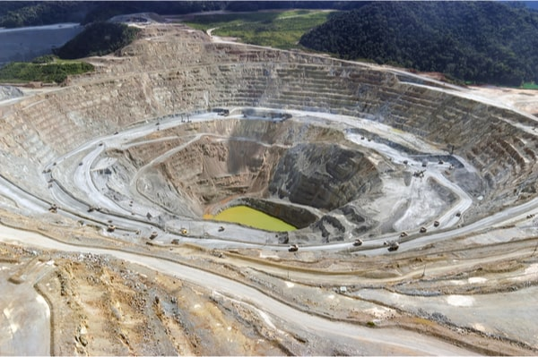 ONG les mines en Indonésie